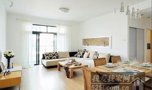 客厅原木色家具突出设计风格