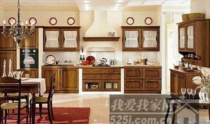 实木橱柜巧收纳 打造乡村田园风厨房(4)