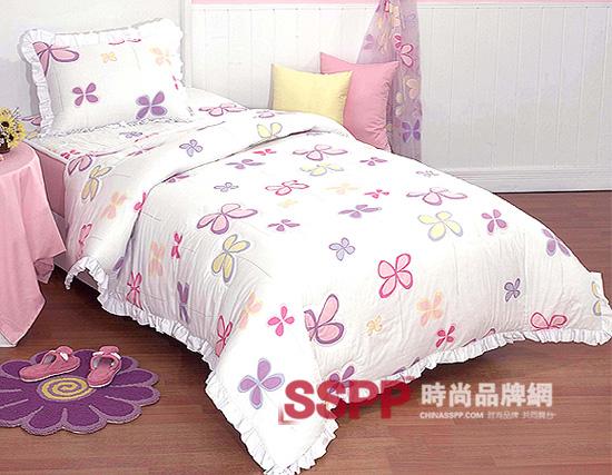 张扬轻快的粉+花朵图案为家里的小公主创造可爱的卧室氛围,纯棉布艺的清新床品豁然点亮了整个初春卧室,让你小宝贝的小天地充满阳光的味吧!     张扬轻快的粉+花朵图案为家里的小公主创造可爱的卧室氛围,纯棉布艺的清新床品豁然点亮了整个初春卧室,让你小宝贝的小天地充满阳光的味吧!     张扬轻快的粉+花朵图案为家里的小公主创造可爱的卧室氛围,纯棉布艺的清新床品豁然点亮了整个初春卧室,让你小宝贝的小天地充满阳光的味吧!     张扬轻快的粉+花朵图案为家里的小公主创造可爱的卧室氛围,纯棉布艺的清新床品豁然点