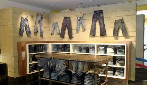 外贸童装店装修图片 2