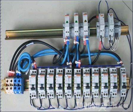 学知识 开关插座选购与安装 空气开关怎样安装?