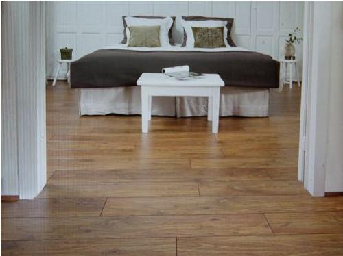 在室内铺装木地板的好处