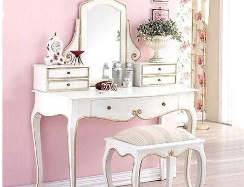 理想的梳妆台摆放是梳妆台的镜面朝向能够与坐向保持