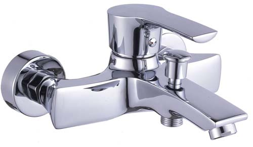 3、左热水右冷水接管时候,记住左边是热水,右边是冷水,两管相距图片