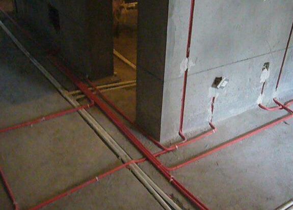 测试——封槽; 而二手房水电改造的步骤是拆迁——选购建材——开槽