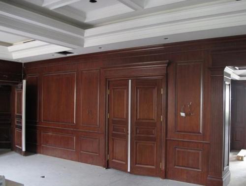 学知识 木工知识 护墙板施工工艺 护墙板施工注意事项   1,避免面层的