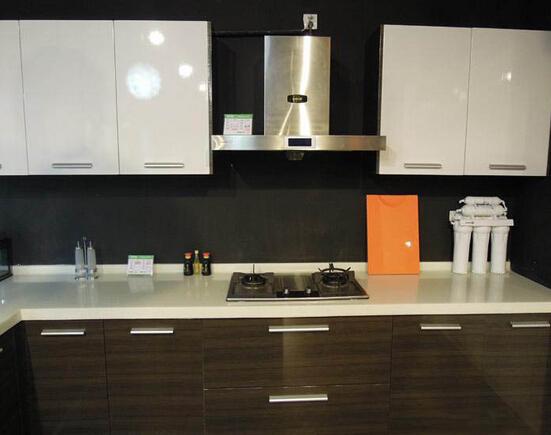 厨房吊柜怎样安装 吊柜安装注意事项图片