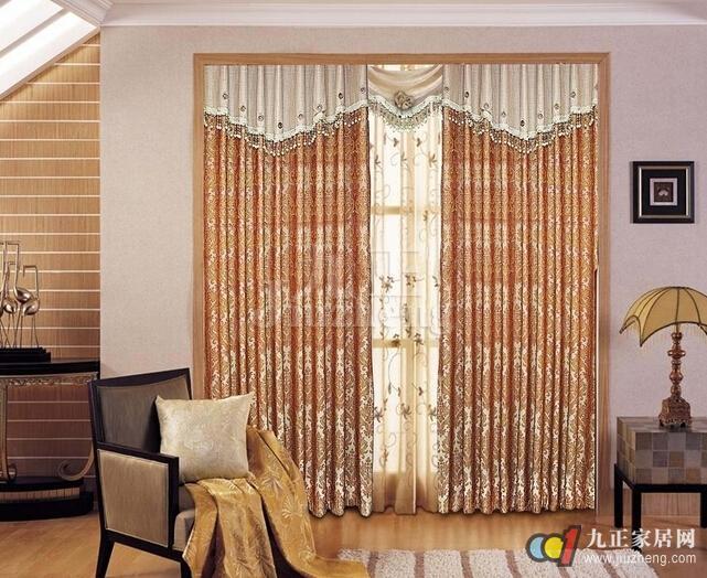 素或花纹图案的窗帘