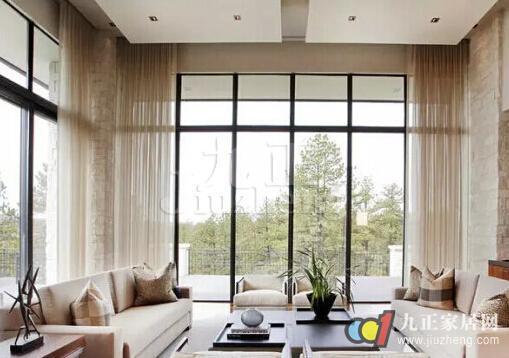 客厅阳台封玻璃