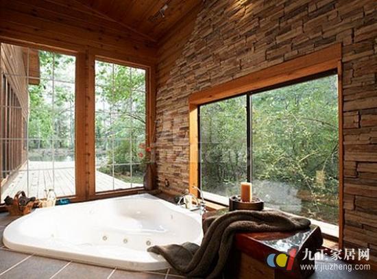 嵌入式按摩浴缸就必须在贴大理石或瓷砖时预留检修口