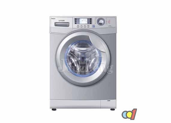 随着洗衣机种类的不断增多,每个人都会选择一款适合自己的洗衣机使用,滚筒洗衣机还是比较受钟爱的,因此一些人就想了解一下滚筒洗衣机漏水是什么原因?下面九正家居网将要来告诉大家滚筒洗衣机漏水原因及解决方法。 1、外筒前盖边沿漏水 造成外筒前盖边沿漏水的原因有:装配过程中前盖橡胶密封圈和大卡环没有装配好和洗衣机使用中由于内筒震动使大卡环螺钉松动,使洗涤液从缝隙中渗出。 修理时,可将洗衣机外筒整体从洗衣机外箱中取出,拆下外筒前盖,将橡胶密封圈重新涂一层303脱粘剂,再沿外筒边沿用钳子轻轻修整,消除不平现象。前盖边沿