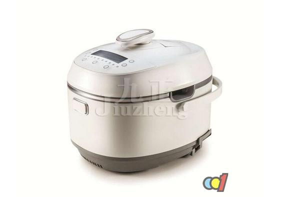 电饭煲是每个家庭煮饭必备的用具,使用非常方便、快捷。今天九正家居网给大家带来的是电饭煲的使用方法和电饭煲使用注意事项知识。 电饭煲的使用方法: 电饭煲有2种:一种是保温式自动电饭煲,当饭煮熟时即自动保温;另一种是定时式自动电饭煲,按用膳时间自动控制烧饭。正确的使用方法是: 1、电饭煲的自动断电装置是一个感温磁钢开关,饭熟时,温度100感温磁钢失磁而断电。当煲内米未煮熟成饭时,有水继续沸腾,温度不会超过100,感温磁钢不会失磁,所以始终通电。根据这一自动断电原理,我们在使用时(煮粥、煮汤、下饺子等时)就应