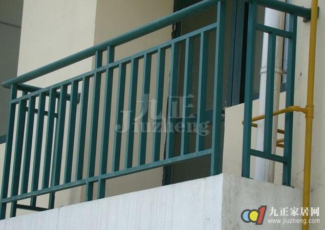锌钢阳台防护栏怎么样 锌钢阳台防护栏的优势