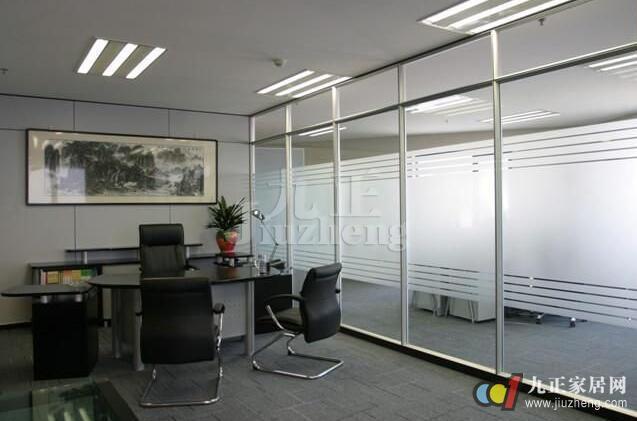 厨房玻璃隔断墙怎么设计 厨房玻璃隔断墙的设计方法图片