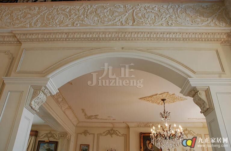 2,看光洁度:  由于石膏图案花纹在安装刷漆时不能再进行磨砂等处理
