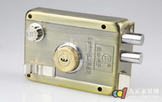 磁性锁和十字锁是当下最流行的防盗门锁,您知道防盗门锁怎么安装的嘛?