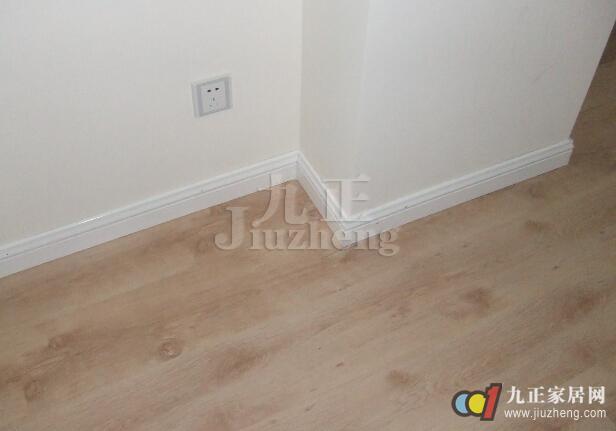 地砖用什么颜色的踢脚线好?