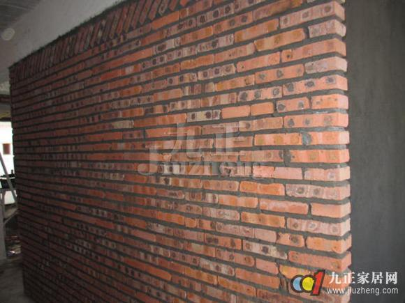 砌墙的关键部分是新砌墙和房屋原有老墙防裂的连接