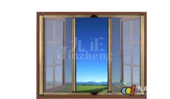 很多人都会选择防蚊纱窗,主要是为了夏天防止蚊虫。下面九正家居网就来为大家讲讲防蚊纱窗的安装步骤和注意事项吧。 防蚊纱窗安装步骤 第一步:先把纱窗的框架组装起来。 根据尺寸拿出pvc两根做纱窗的高使用,两根做纱窗的宽使用,根据量好的尺寸,作为高的pvc要大于窗子内框3-4厘米以上,做为宽的pvc要大于窗子的内框1厘米以上,做纱窗高的时候将pvc插到拐角的时候要顶到底,按照顺序先把高的PVC装好,再把宽的PVC插好,这样一个窗框就组装好了。  第二步:把准备好的纱网压进PVC里 拿出纱网铺在完成的框架上,取好
