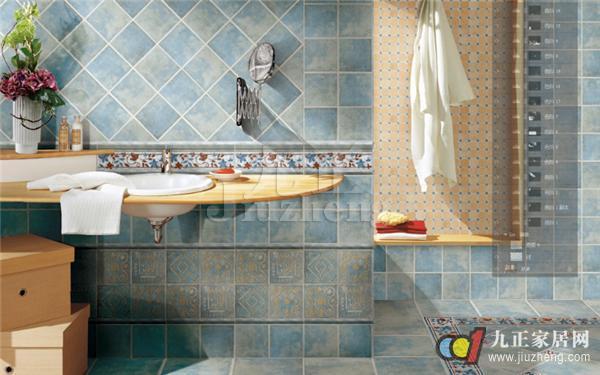 铺贴瓷砖是很多家庭的选择,从墙砖到地砖,每一块都不得马虎。那么,卫生间瓷砖铺贴方式、卫生间瓷砖铺贴注意事项有哪些呢?下面,跟九正家居网小编一起来看看吧。  一、卫生间瓷砖铺贴方式 卫生间地砖铺贴方式一:留缝铺装 仿古特色一直是艺术加工领域长盛不衰的工艺,因其厚重的历史感深受一部分人的喜爱,在瓷砖上也是如此。因仿古瓷砖的釉面被处理的凹凸不平呈腐蚀状,在铺装时留出足够的缝隙,再填充以配色的水泥,使得墙面呈现出统一的古色古香的效果。 卫生间地砖铺贴方式二:封边条十字定位架 封边条十字定位架等材料的使用使铺装过程