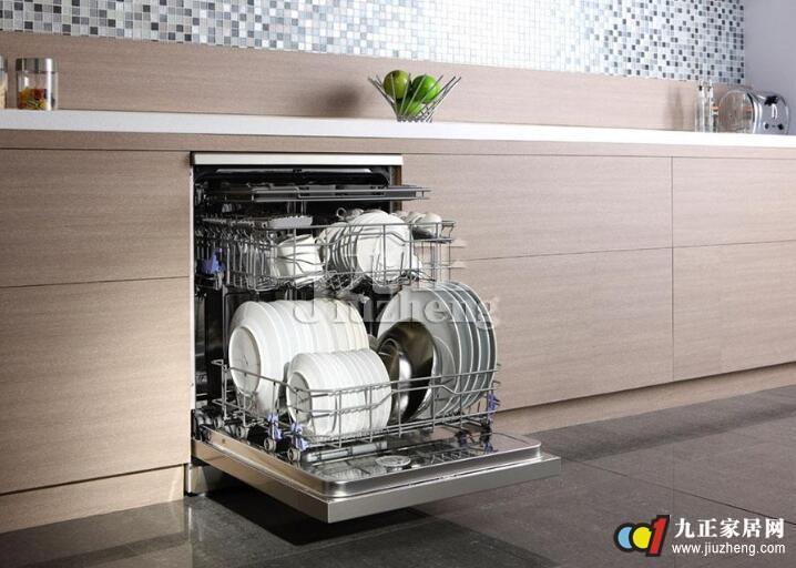 漏水现象,水泵和电机运转平稳,振动小,噪声低,洗碗机的各种功能按键通