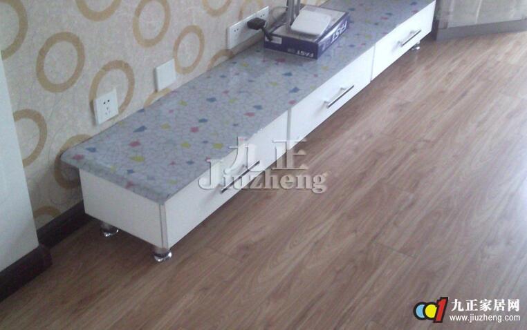 地板革用什么胶粘好?有推荐的吗?