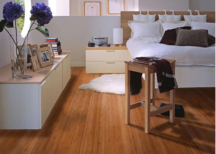 地板选购与安装 仿实木地板怎么样 仿实木地板怎么选购   凹凸槽的