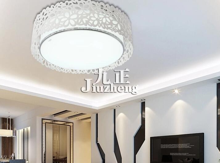 客厅吸顶灯的种类与安装方法