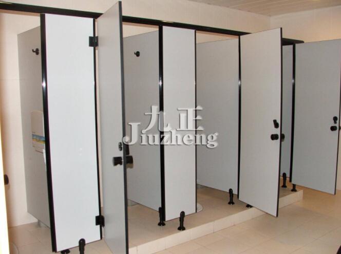 卫生间隔断验收标准_卫生间隔断材料有哪些 公共卫生间隔断尺寸标准