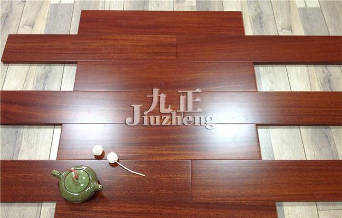 地板选购与安装 檀木地板的种类 檀木地板的鉴别方法   紫檀木材质重