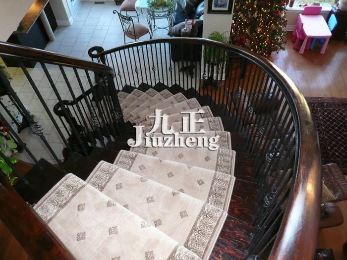 楼梯地毯是什么?