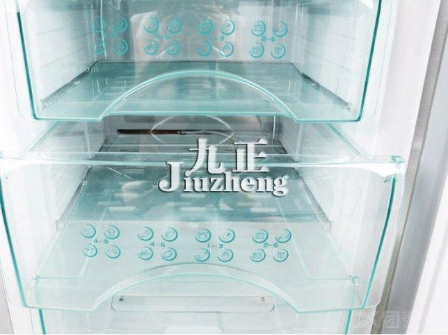 怎么清理冰箱里的冰?