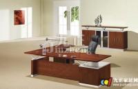 实木办公桌的特点 实木办公桌...