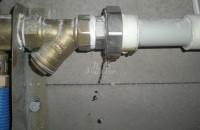 暖气阀门如何打开 暖气阀门漏水怎么办
