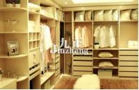定制衣柜用多层实木板好还是大芯板好 家居开放式衣柜日常如何保养