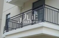 阳台护栏用什么好 阳台护栏的要求