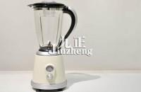榨汁机是用清水洗还是开水洗?榨汁机使用注意事项