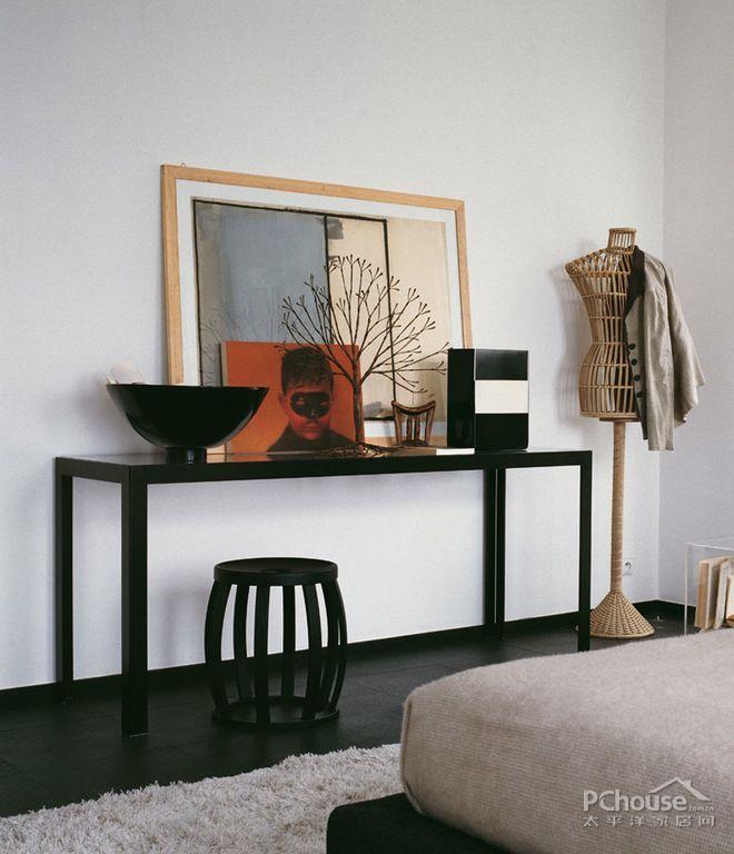 意大利黑白调简约风设计_第2张 - 九正家居装修效果图