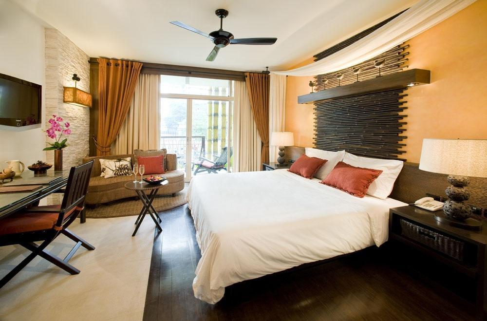 现代简约主卧室装修设计图