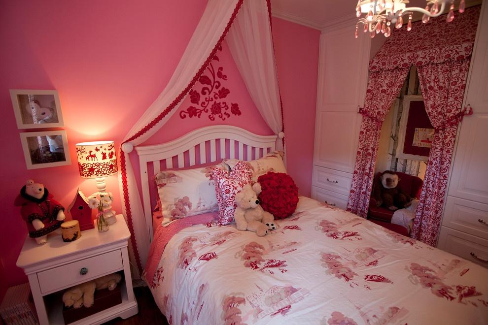 卧室窗帘图片   田园女生卧室窗帘效果图