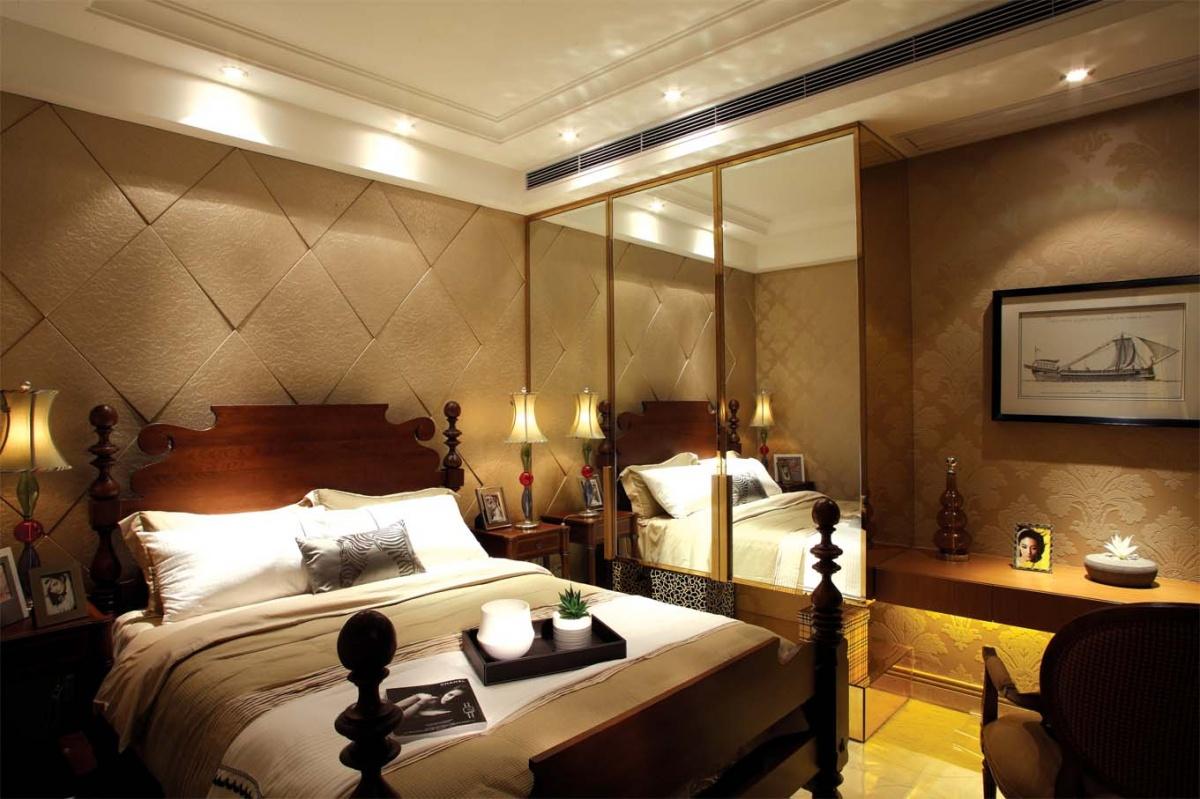 欧式主卧室床头软包设计效果图