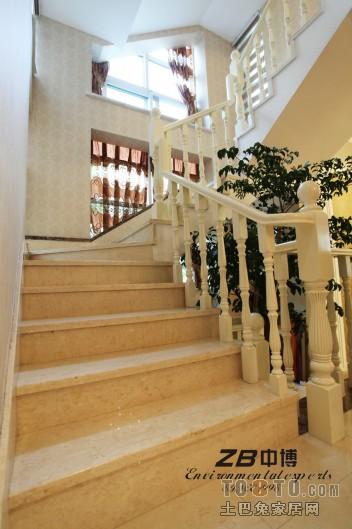 最新欧式别墅楼梯装修效果图装修效果图