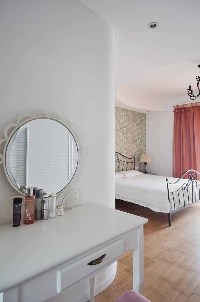 楼房卧室梳妆台装修图片