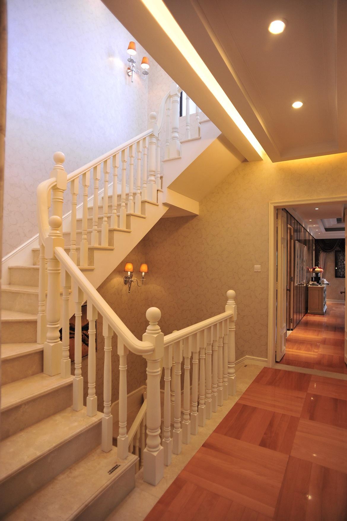 别墅旋转楼梯设计装修效果图_第2张 - 家居图库 - 九