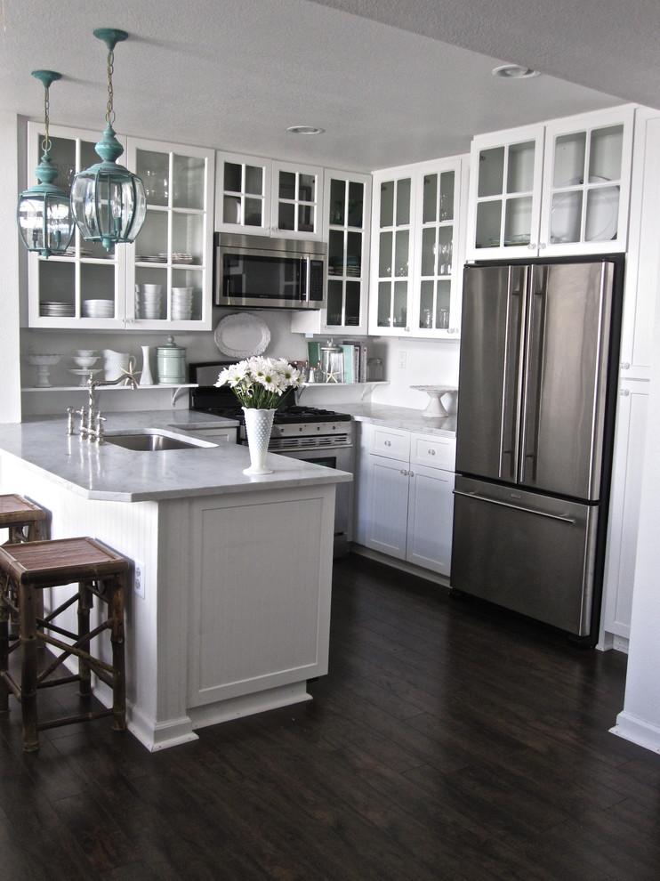 最新欧式风格半开放式厨房装修效果图 (2/5)