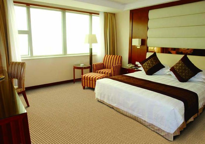 房子卧室床头软包装修设计图