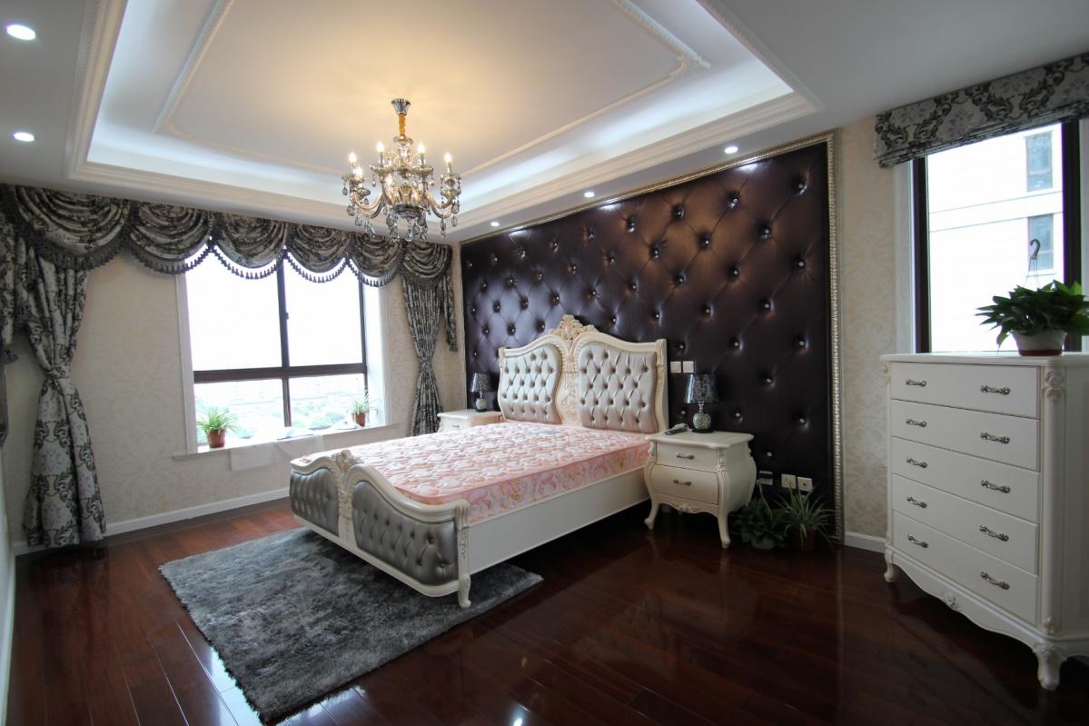 欧式两室两厅卧室吊顶装修效果图 (6/6)图片