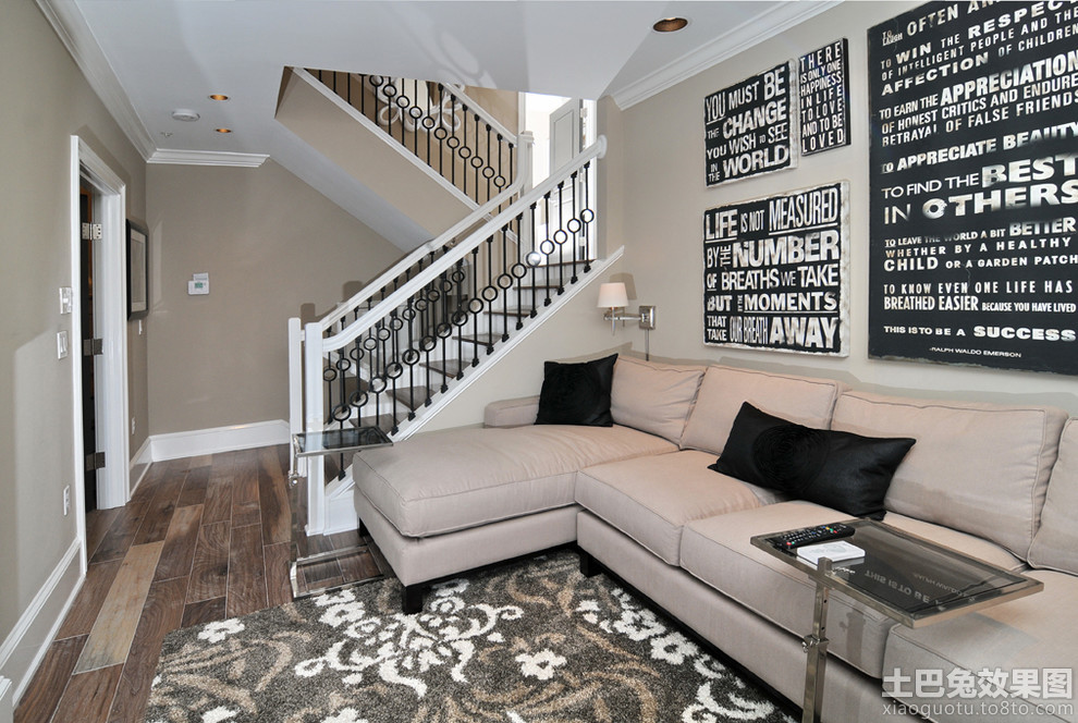 欧式别墅室内楼梯扶手图片装修效果图