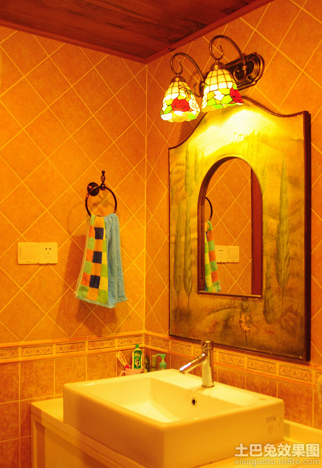 卫生间镜前灯效果图图片