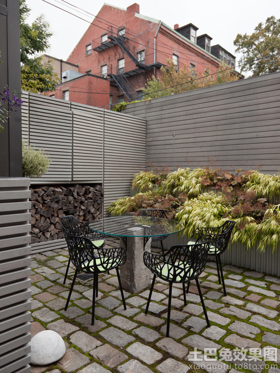 现代别墅下沉式庭院图片欣赏